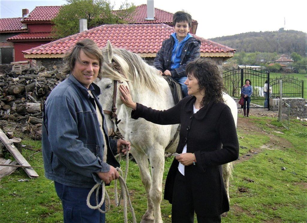 Бети и Ники, Дивата ферма
