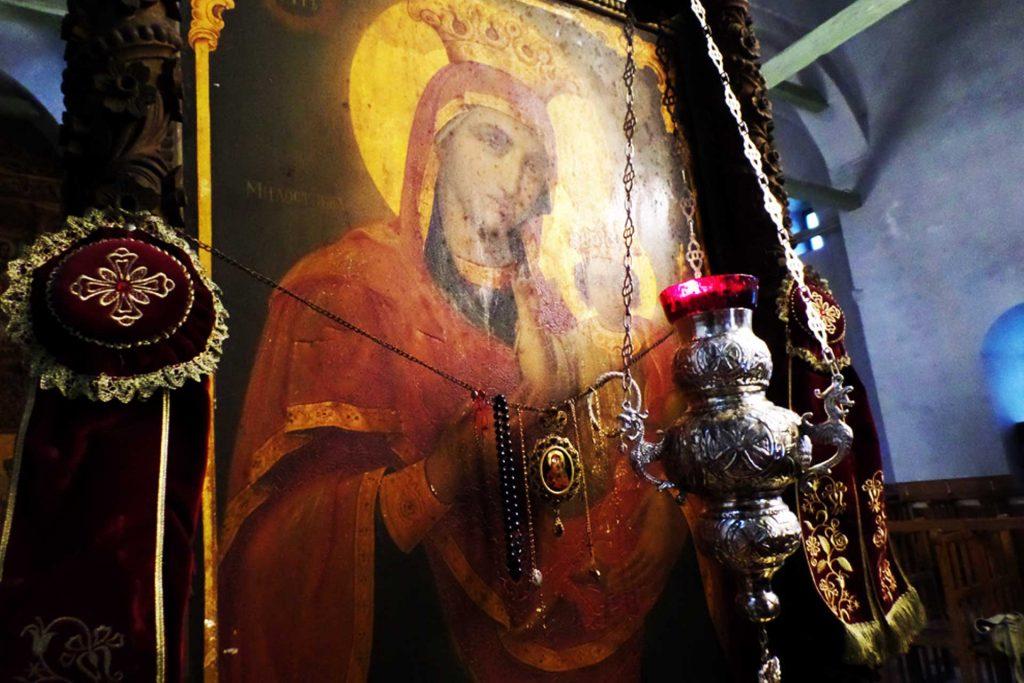 Плачещата Богородица Лопушански манастир