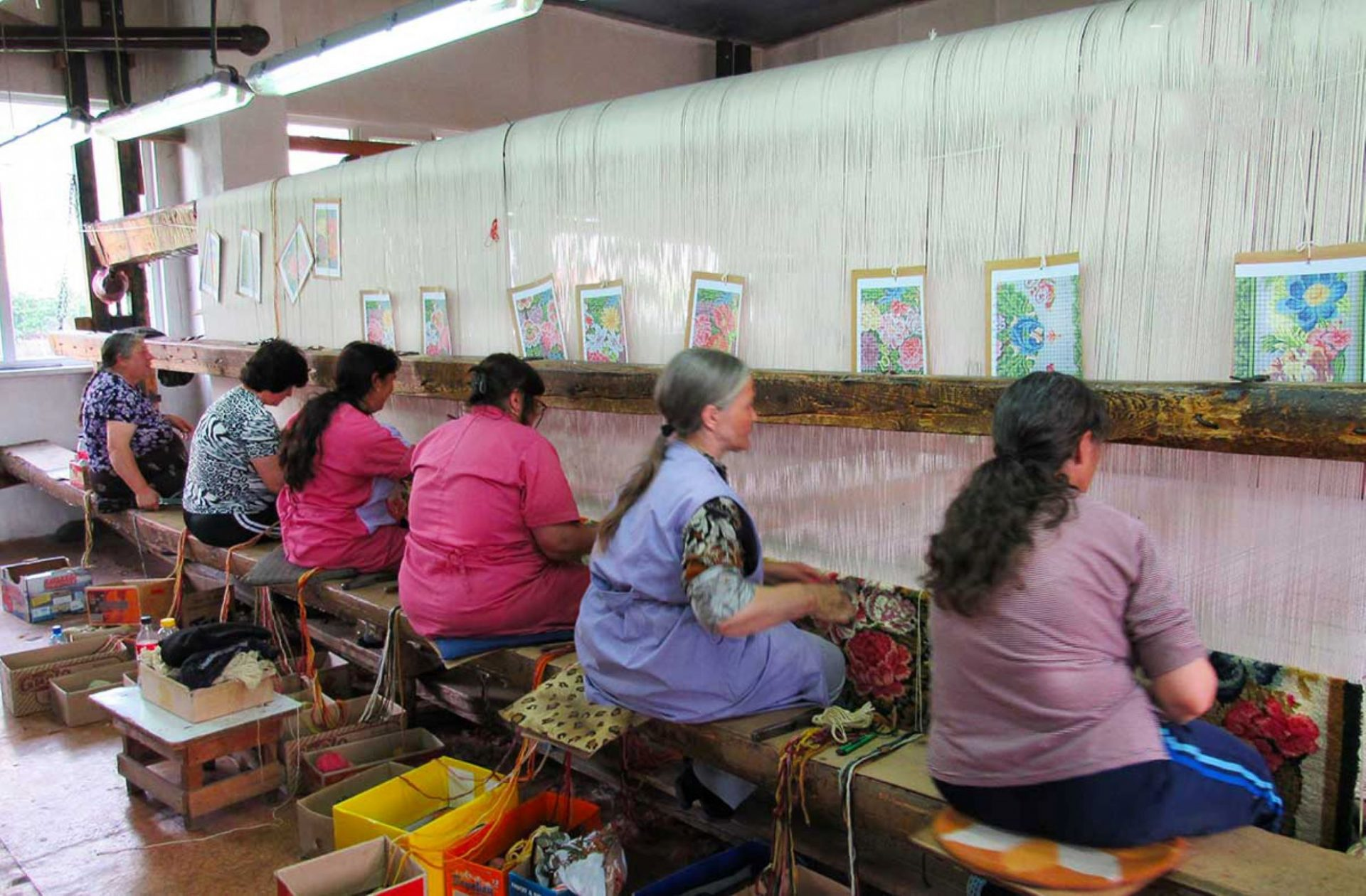 Фабрика за персийски килими в Костандово